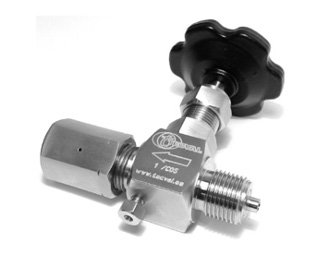 CP-13. Needle Valve with Alignment Sleeve (MxF) Up to 420 bar (6000 PSI)